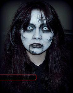 halloween-colored-contacts-makeup (17)