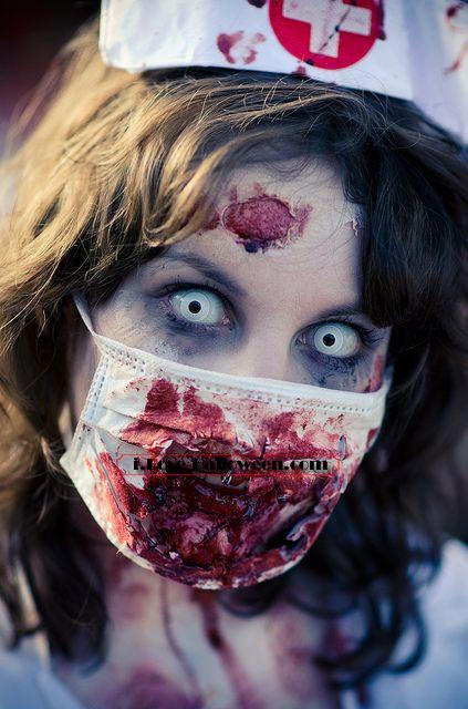 halloween-colored-contacts-makeup (22)