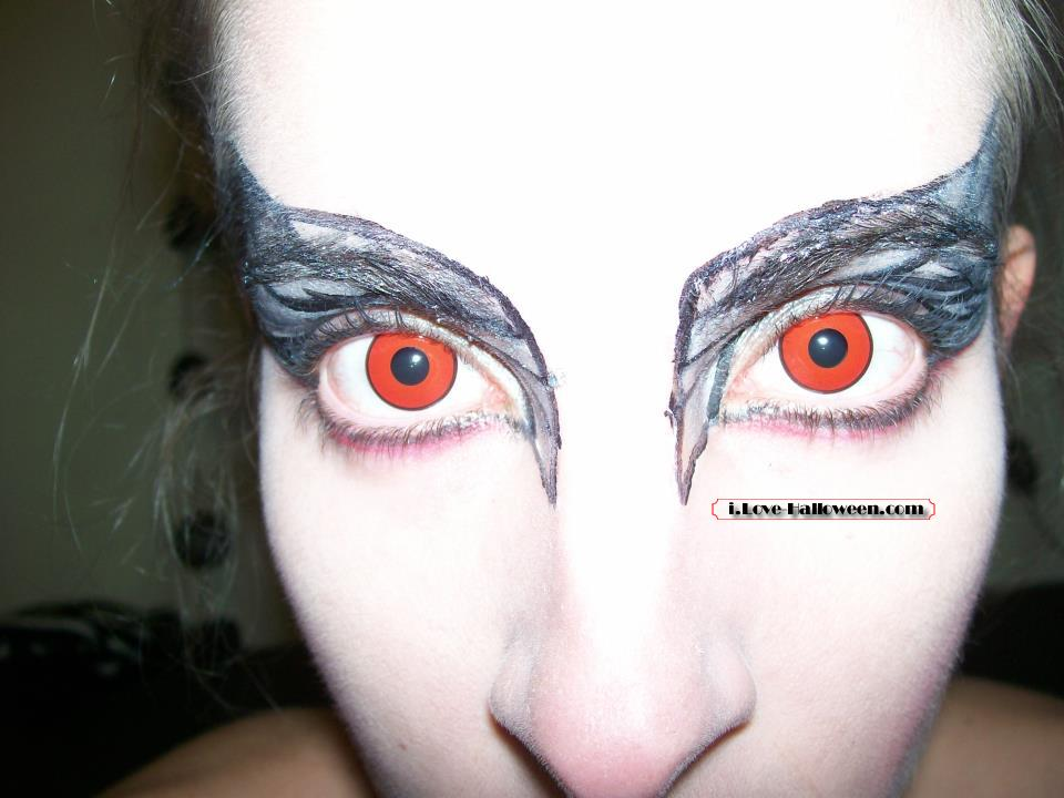 halloween-colored-contacts-makeup (65)